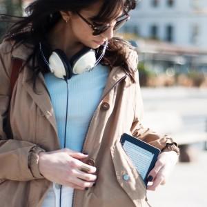 Kindle-Paperwhite-3-pocket-size